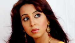 South Actress SANJJANAA Photos Set-9 (19)