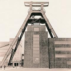 Zeche Zollverein (Uwe Kielas) Tags: lith lithprint agfaportrigarapid moerschse5 selentonung rolleiflex film ilfordhp5 zechezollverein silbergelantine barytprint industriekultur analog
