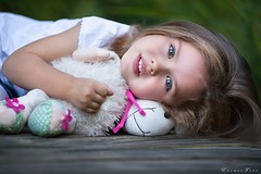 Pretty girl (foto.evines) Tags: evinesfoto pretty portrait girl kid child childhood calm toy play