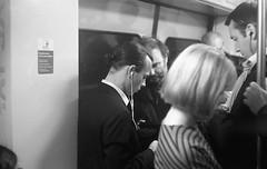 Metro (Amelien (Fr)) Tags: 147 15 2016 400 50mm ana analog argentique believeinfilm capturedonrealfilm dilutione epson film hc110 kodak leica m3 pellicule summarit trix blackandwhite bw filmisnotdead homescanned monochrome nb noiretblanc v550