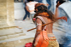 (kuuan) Tags: kathmandu nepal pashupathinath shivaratri mahashivaratri baba sadhu pilgrim 50 50mm f14 5014 1450 f1450mm smc takumar pentax pentaxistds ist reedit blur action mala