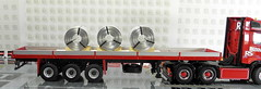 MERCEDES-BENZ ACTROS BIGSPACE 6X4 + CLASSIC CURTAIN SIDED TRAILER + COILS WITH ALUMINUM SHEET (Diecasts Collectors Brasil) Tags: mercedesbenz actros bigspace 6x4  wsi premium line 041141 classic curtain sided trailer 131028 coils with aluminum sheet handmade