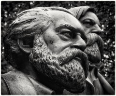 Serious Beard Action (Andy J Newman) Tags: berlin marx engels statue head park silverefex nikon d500