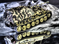 Panzerjager Elephant (Luicabe) Tags: arma cabello carrodecombate elephant enazamorado estudio interior luicabe luis maqueta modelismo panzerjger profundidaddecampo reflejo tanque vehculo yarat1 zamora zoom