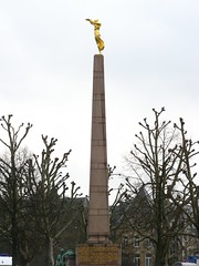 "Monument of Remembrance (""Glle Fra"" Memorial) (Tilemahos Efthimiadis) Tags: city monument memorial war obelisk remembrance luxembourg luxemburg goldenlady 1923 constitutionsquare ltzebuerg gllefra monumentofremembrance monumentdusouvenir  clauscito villehautequarter"