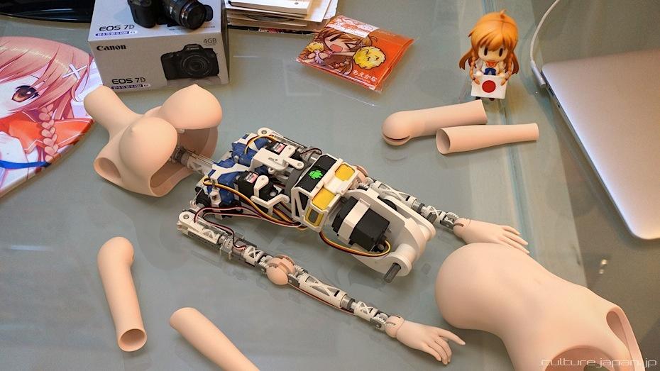 Как сделать из кукол роботов