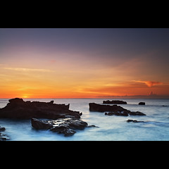 DPP07DB0C0D0B0D16_IG (mroeslan) Tags: sunset bali indonesia landscapes seascapes longexposures mengeningbeach
