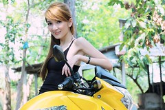 Bike (Trang Angels) Tags: light portrait woman color cute sexy girl beautiful beauty smile fashion lady female angel canon asian photography eos model women friend pretty photos vietnam bridal beautifulgirls hotgirl peo canonphoto vietnamgirls hotgi