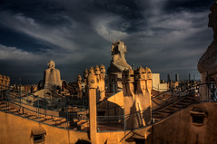 Deference - Casa Milà # 11, Antoni Gaudí (JoLoLog) Tags: barcelona spain modernism catalonia catalunya hdr casamilà lapedrera lorien antonigaudí gothicstyle eixampledistrict geniusarchitect canonxsi 92passeigdegràcia bestcapturesaoi elitegalleryaoi