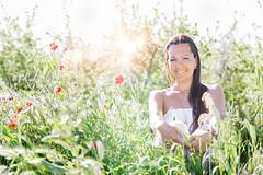 Amapola de primavera (PhoPiRo Claudio Mariutanu) Tags: flowers woman primavera canon de retrato maria paisaje amapolas 650d huerva phopiro
