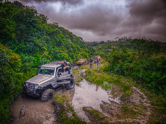 Troller (rvcroffi) Tags: brazil sky nature brasil clouds jeep mud offroad 4x4 sopaulo natureza olympus dirty adventure trail experience lama hdr barro hdri aventura trilha jipe troller cachorrolouco