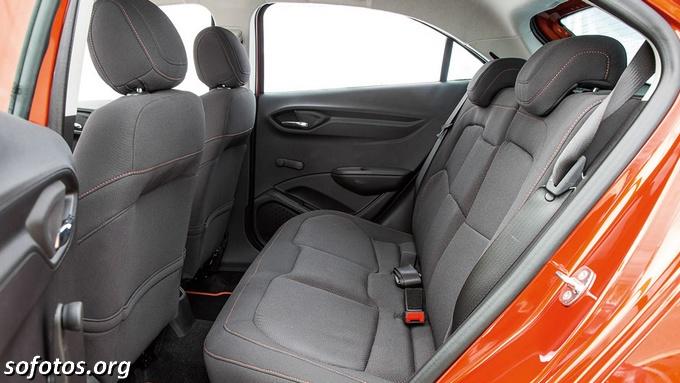 Chevrolet Onix interior
