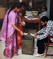 Women voting (bokage) Tags: woman india democracy election delhi vote bokage