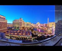 Night Vegas (OC Photographie) Tags: las vegas usa paris west tower fountain night america canon hotel coast us cosmopolitan photographie tour view desert united nevada north eiffel palace cte fisheye nv mirage bellagio states oc fontaine nuit hdr nord unis ceasar etats ouest amerique 3vilo