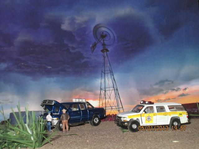 windmill truck toy model pickup dodge ram dioramas diecast 164scale diecastdioramas hoscalefigures 2000chevroletsuburban