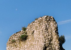 Castle Ruins by Zenit with moon (Song-to-the-Siren) Tags: moon film 35mm bluesky zenit 18 guildford historicalbuilding guildfordcastle russiancamera fujisuperia200 sovietcamera zenit18