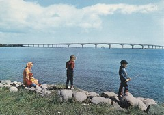 Old postcard The new bridge to land Sweden 1972 (annkarlstedt) Tags: old bridge kids barn vintage children island kid fishing 60s child sweden postcard under swedish scanned 70s sverige 1970 1960s bro 1972 seventies 70 fiskar 60 sixties tal svensk 1960 land mete fiske gammal gammalt vykort byggnad skannat kalmarsund brevkort svenskt s1960s lansbron