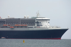 Up close with the Queen (D464-Darren Hall) Tags: queenmary2 cunard