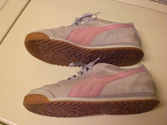 CIMG3257 (CallalilyGazer) Tags: pumas dirtyshoes tennisshoes oldshoes stinkysneakers