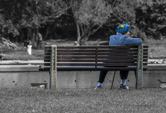 Tam lady (runningman1958) Tags: 365 365dayproject nikon d7200 nikond7200 rideauriver stradakonapark ladywearingatam desaturation bench ladyonabench tam