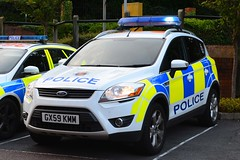 GX59 KMM (S11 AUN) Tags: surrey police ford kuga 4x4 response panda car irv incident 999 emergency vehicle gx59kmm