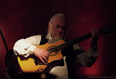 Tony Osanah (Natali Antonovich) Tags: tonyosanah jazz themusicvillage lifestyle musician guitarist guitar portrait emotion sweetbrussels brussels belgium belgique belgie parallels
