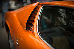 Lamborghini Miura S, side air intake (David A. Barnes) Tags: leica leicam240 lamborghini lamborghinibyleica lamborghinimiura miura noctiluxm asph vehicle italiansportscar italiancar supercar bokeh carbokeh miuras 095 lenstab tourdelegance