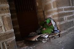 Madame la misre (cafard cosmique) Tags: maroc essaouira morocco streetphotography