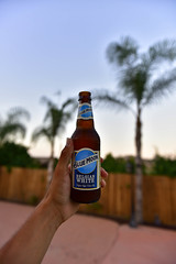 Whats in your hand? (ALCABRERA photograph) Tags: beer bluemoon