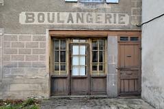 Boulangerie (mlemandat) Tags: boulangerie condat cantal panaderia bakersshop