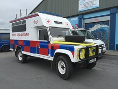 Irish Red Cross - Land Rover Ambulance - Doolin Harley Fest Charity Run - September 2016 - Lahinch, County Clare. (firehouse.ie) Tags: 4wd 4x4 rotekreuz irishredcross bl landie redcross cross red irish ireland krankenwagen notarzt ambulanzia ambulances ambulancia ambulanz ambulanza rover land motorcycle doolin ambulance landrover 2016 harleyfest hogs davidson harley festival fest lahinch