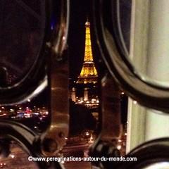 Tour Eiffel.photo prise depuis la grande roue situe place de la Concorde (peregrinationsautourdumonde) Tags: photobynight night bynight eiffeltower toureiffel granderoue placedelaconcorde concorde paris francia france europa europe