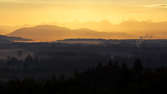 (Stev) Tags: morning canada mountains fog vancouver sunrise bc view bedroomwindow fraservalley