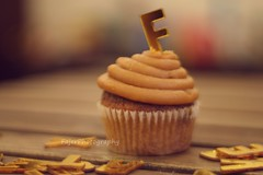 F (Fajer Alajmi) Tags: wood caramel cupcake letter