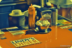 Lindy's Diner (Andrew E. Larsen) Tags: newengland diner papalars andrewlarsenphotography