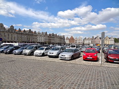 Lens-Arras 2196 (enemyke) Tags: square place parking markt plein koninginnedag arras 30april kroning lensarras lensarras30april2013 parkeerplein