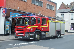 Fire engine parked up (Moldovia) Tags: uk greatbritain england europe unitedkingdom norfolk eu gb pointandshoot fireengine greatyarmouth 112 gorleston europeanunion pointshoot eastanglia scania 999 emergencyvehicle emergencyservice gorlestononsea fujifilmfinepixhs20exr norfolkfireandrescue