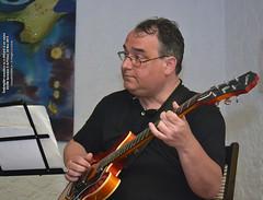 24 Mai 2013 » Întâmplări acustice cu o chitară și un cajon