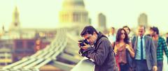 Spy (Luis Montemayor) Tags: bridge sunset people man london puente atardecer europe photographer gente spy londres milleniumbridge hombre fotografo espia