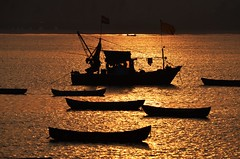 Golden Hour...... (kailas bhopi) Tags: goldenhour sunrise boat sea seashore konkan konkanphotography nikond5100 70300mm