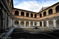 Patio-interior-de-la-Cartuja-de-Padula (Lucas Gutirrez) Tags: patio fuente arquitectura padula cartuja italia lucasgutierrezjimenez salerno campania