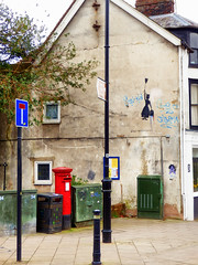 Grafiti, Lewes, East Sussex (photphobia) Tags: lewes eastsussex buildings building buildingsarebeautiful architecture oldtown oldwivestale countytown myhometown outdoor outside southeast southeastengland england paulmurray photphobia grafiti marypoppins