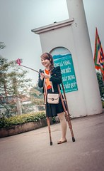 amp-1131 (vsmrn) Tags: amputee women crutches onelegged