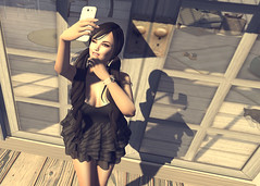 Selfie! (Marion Falworth) Tags: secondlife virtual avatar game online mmorpg tifaposes qedesigns 7deadlyskins aviglam blushesboutique selfie