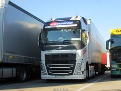 IRL - Volvo FHIV Globetrotter XL - WYSE Transport (Marko-HRHB) Tags: ireland volvo fhiv transport wyse parking lkw euro6 globetrotter xl