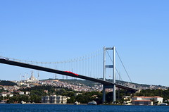 Bosphorus Bridge (Ali Enes M.) Tags: nikon dslr d5100 trkiye turkey turecko trkei turcji turcja istanbul stambol stambul stambule starmesto staremiasto stara old oldtown oldcity oldbuilding oldie eski eskiehir altstadt sunny cloudy happy summer 2016 seyahat seyyah traveller travel photography photographer
