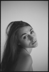 (Luca Tabarrini) Tags: portrait blackandwhite film girl analog longhair indoor canonae1 ilforddelta100 ilfosol3 lucatabarrini