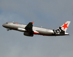 VH-VQY Airbus A320-232 Jetstar (Robert Frola Aviation Photographer) Tags: 2005 nikond70 airbus airbusa320 ybbn jetstarairways vhvqy