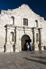 Alamo, San Antonio, Texas (dkjphoto) Tags: travel usa tourism museum sanantonio america mexico bowie war catholic texas republic tour unitedstates johnson houston battle tourist historic mexican travis mission northamerica independence alamo fortress siege crockett 1836 santaanna missionsanantoniodevalero battleofthealamo wwwdenniskjohnsoncom denniskjohnson