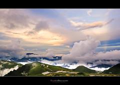 Dancing Clouds (Moson Kuo) Tags: sunset mountain clouds landscapes dancing  kuo  puli     hehuan  2013    moson